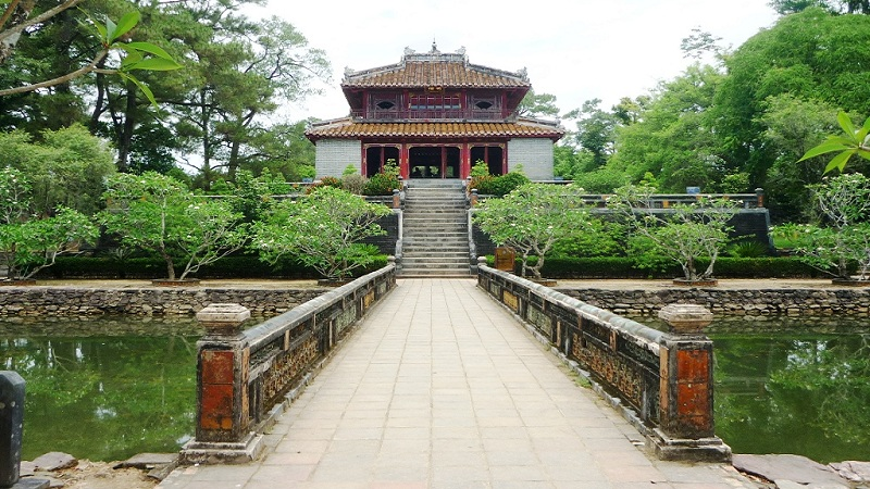 tomb-of-minh-mang