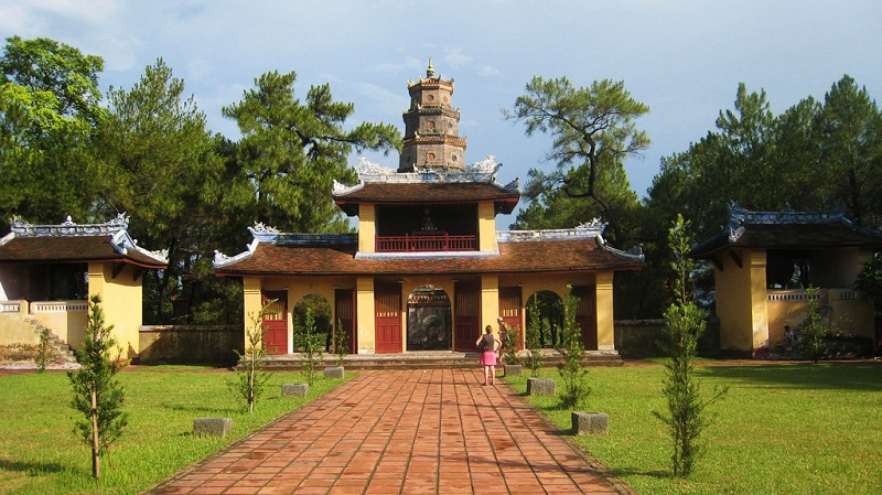 Thien Mu Pagoda - Discover the Oldest Buddhist Temple in Hue