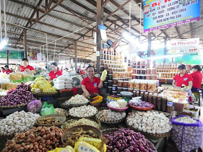 A Complete Travel Guide to Han Market in Da Nang Vietnam