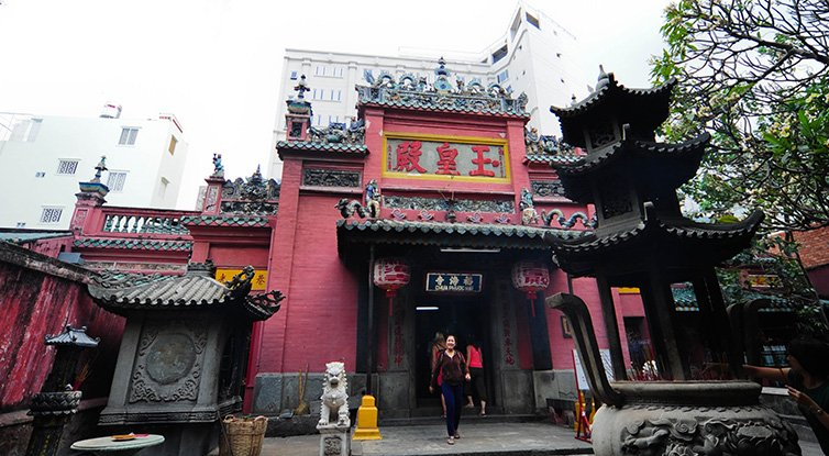 Jade Emperor Pagoda Saigon: Best Things so See in Ho Chi Minh