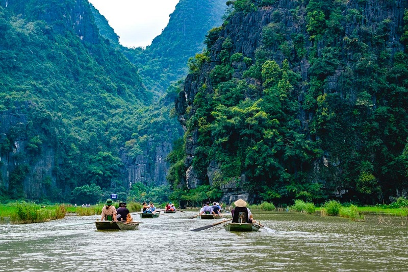 Vietnam Travel Vacation: Day Trips, Custom Made Tours, Holiday Packages, Car Rental